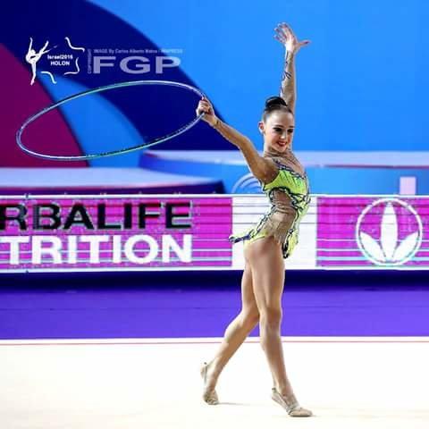 Colgante gimnasta con aro